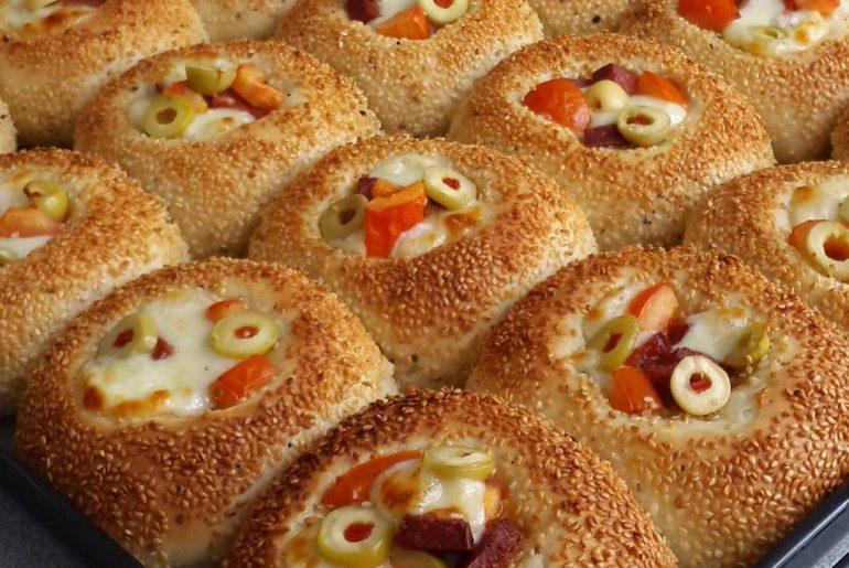 Simit Tadında Pizza Poğaça Tarifi